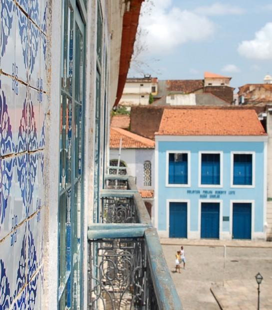 Sacada de azulejos portugueses